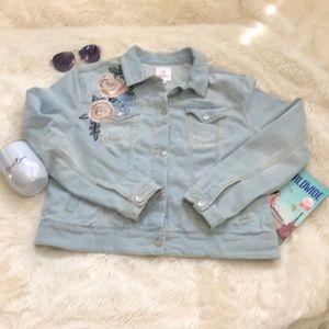 LuLaRoe embroidered jean jacket. Light wash XL